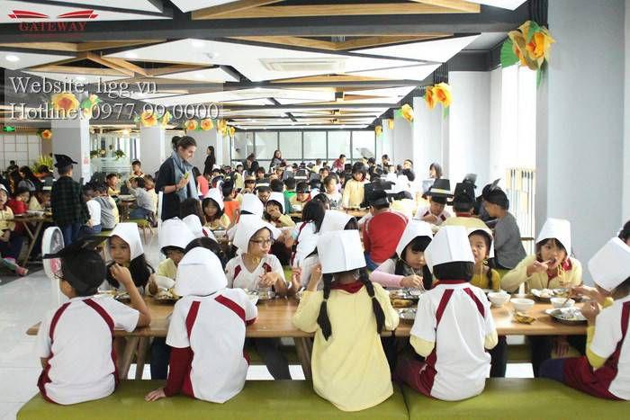Khu nhà ăn trường Gateway Thọ Tháp