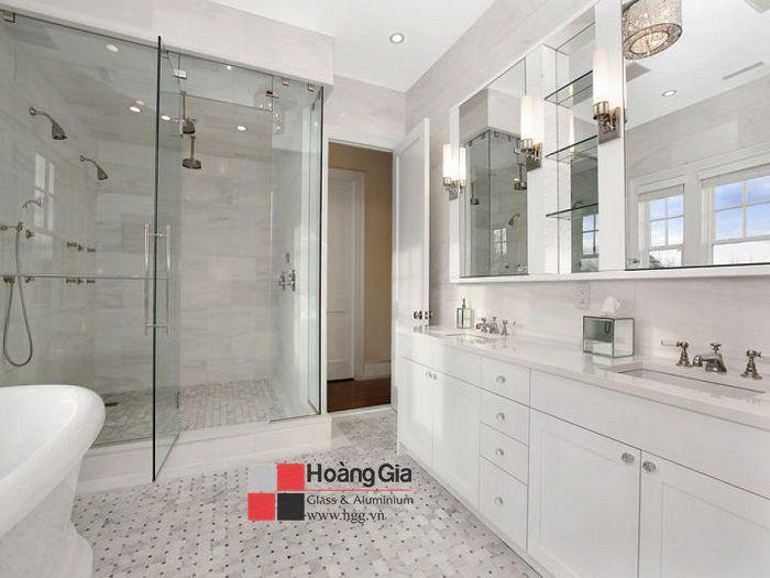 Phòng tắm kính cường lực mang lại vẻ đẹp sang trọng cho ngôi nhà của bạn