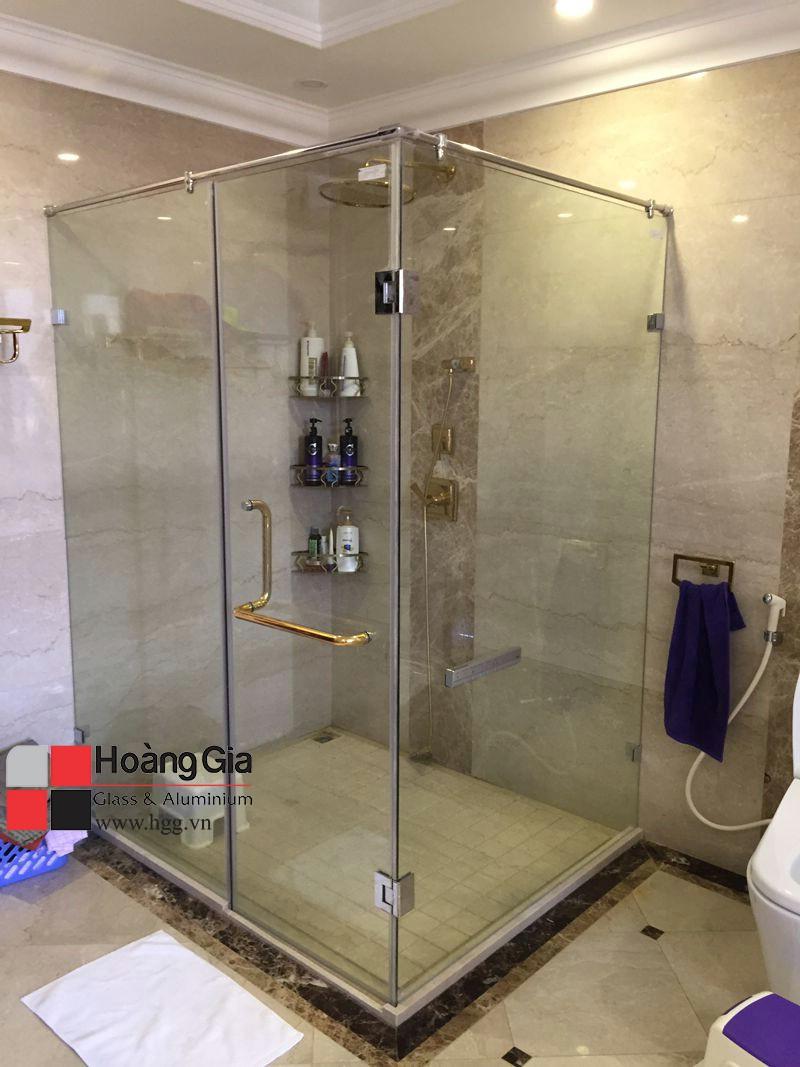 Phòng tắm kính cường lực mở quay, Hoàng gia lắp đặt hoàn thiện