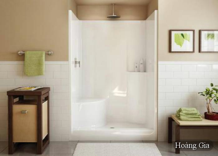 làm sạch cửa vách tắm kính cường lực
