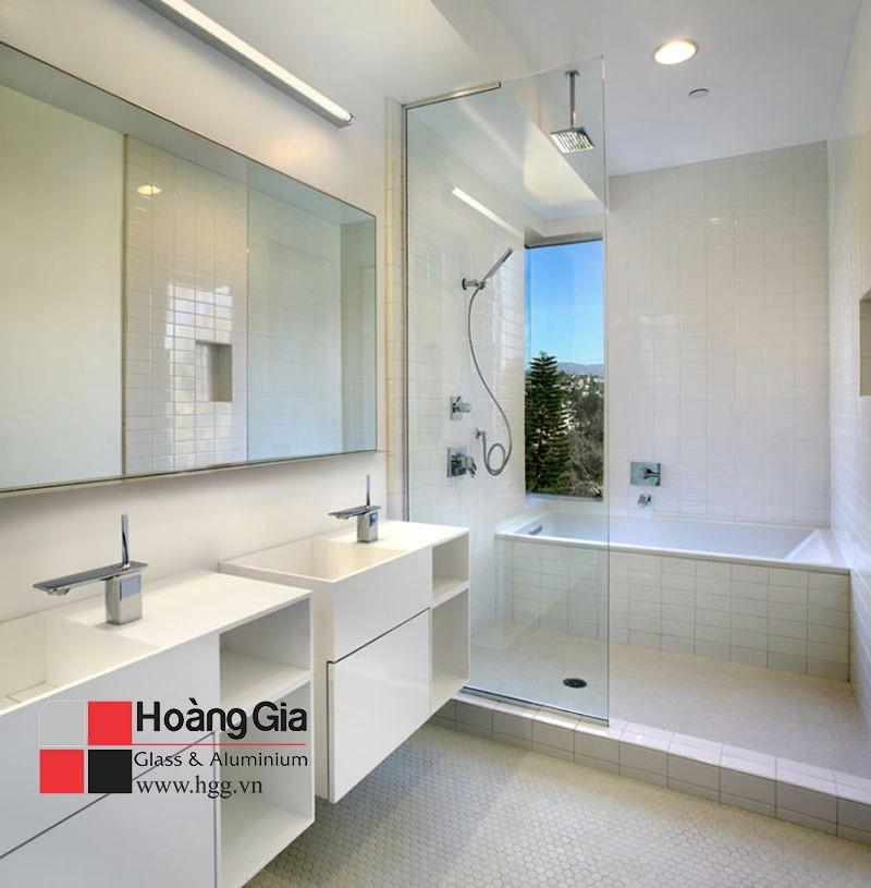 Vách kính tắm đứng 1 tấm